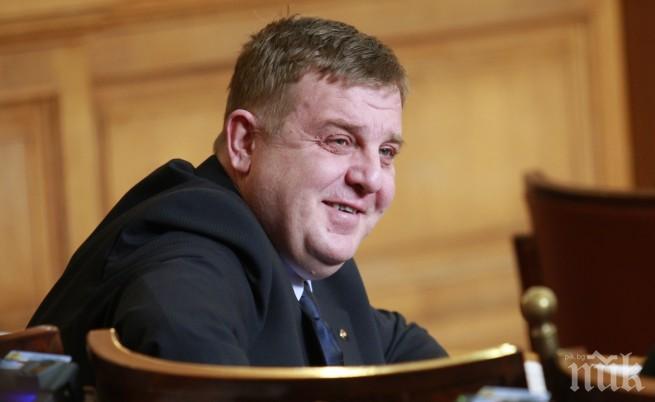 Каракачанов скочи на кабинета за изборния туризъм! Лидерът на ВМРО обеща блокада на границата
