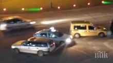 Извънредно! Такси и комби се помляха на кръговото в Бургас