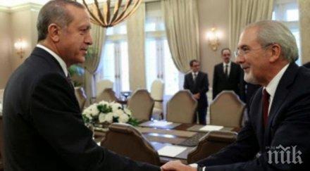 """САМО В ПИК И """"РЕТРО""""! Александър Симов: Зъбите на Местан и Ердоган трябва да бъдат строшени"""