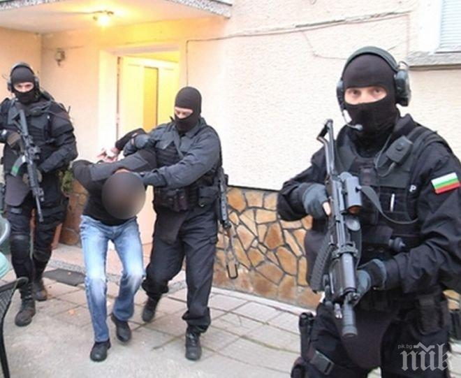 От последните минути: Четирима задържани при спецакцията в Драгалевци