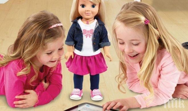 ПОТРЕС! Опасна кукла шпионира малчуганите като СРС