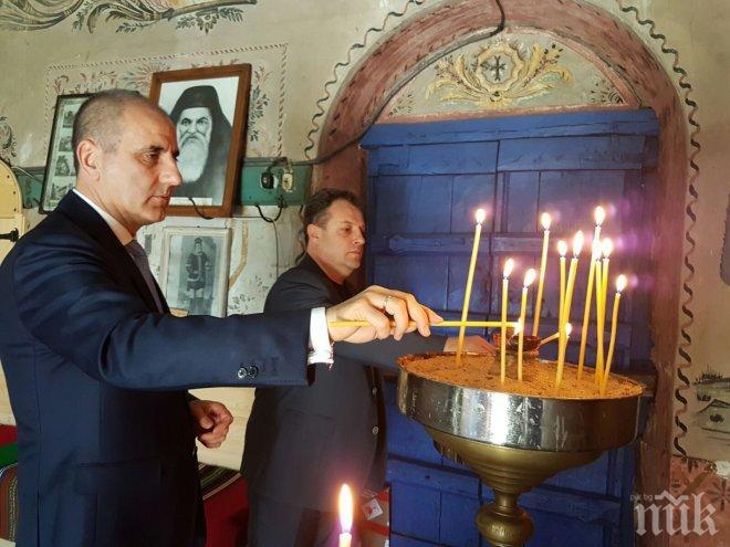 Цветанов в Преображенския манастир: ГЕРБ гарантира запазването на българския дух, култура и идентичност