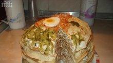"""Бухал"" – солена торта с палачинки</p><p>"