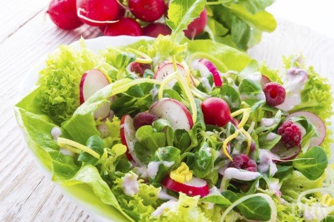 ВНИМАНИЕ! Отрови дебнат от салатите - не докосвайте маруля, айсберг и спанак преди да ги измиете внимателно
