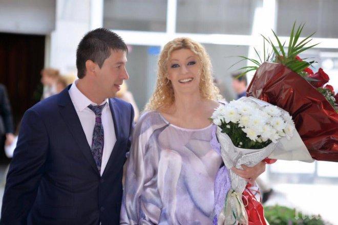 Ина Ананиева взе фамилията на съпруга си