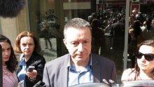 НАПРЕЖЕНИЕТО РАСТЕ! Янаки Стоилов си тръгна бесен от пленума на БСП