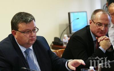 Съдия №1 работи като доносник срещу главния прокурор. Г-н Панов, защо по цял ден се занимавате с глупости, вместо да решавате делата на хората?