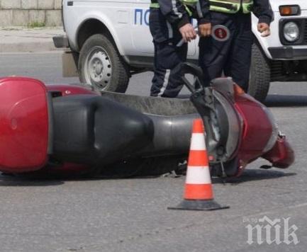 СМЪРТ НА ПЪТЯ! Моторист е загинал край Слънчев бряг в тежка катастрофа