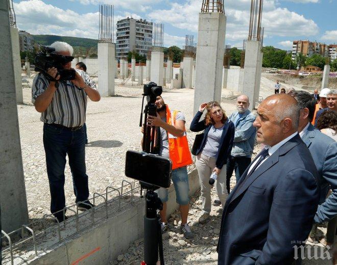 ОТЧЕТ! Борисов сподели пред шуменци какво е обещано за града, какво е направено и какво предстои (СНИМКИ)
