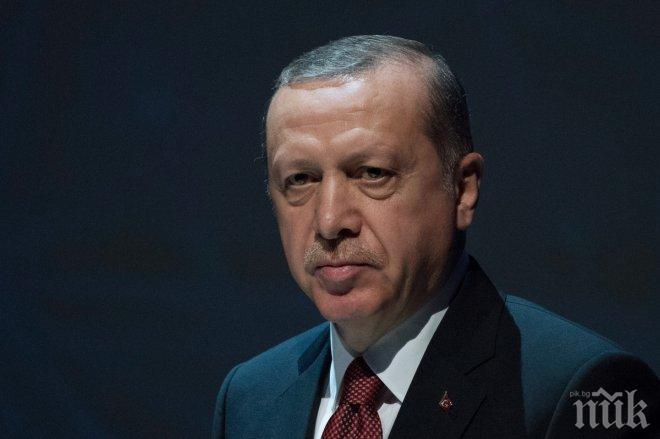 Безучастен! Турският президент Реджеп Ердоган видял боя във Вашингтон, но отминал