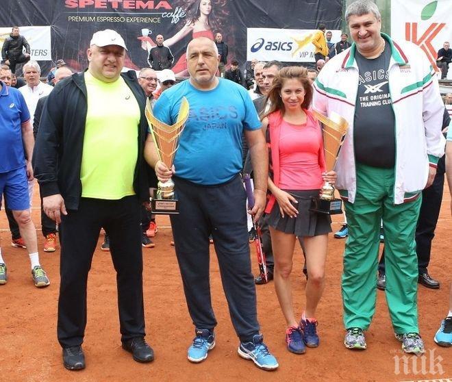 Борисов размаза конкуренцията и вдигна поредна купа в тениса (СНИМКИ)