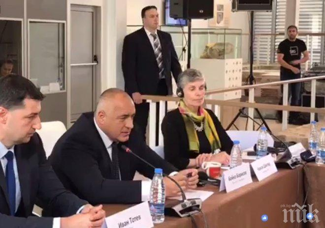 """Милионите на """"Америка за България"""" и Сорос не са спонсорство, а асимилация.  И Хайтов, и Тръмп, и Орбан ви го казаха - само ГЕРБ не иска да чуе"""