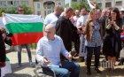 ЕКСКЛУЗИВНО В ПИК! Слави обездвижен след концертите и протестите - краката му блокирали напълно, но отказвал операция