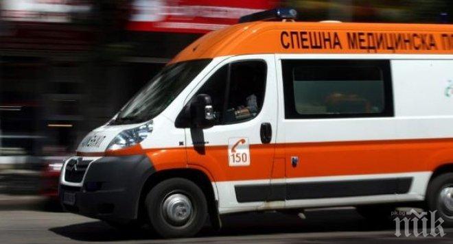 ЧЕЛЕН СБЛЪСЪК! Две коли се удариха на пътя София-Варна, трета се заби странично, ранени са трима души