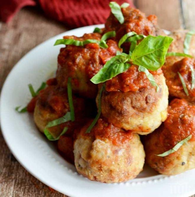 Пилешки кюфтенца по италиански