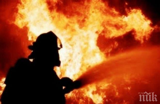 ТИР с олио се запали на пътя Шумен - Търговище