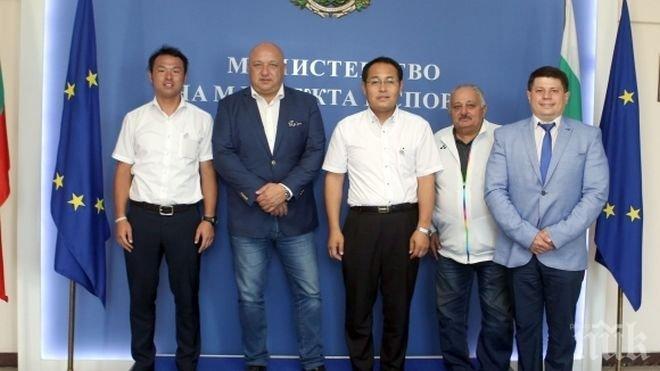 Окаяма кани български олимпийци на подготовка