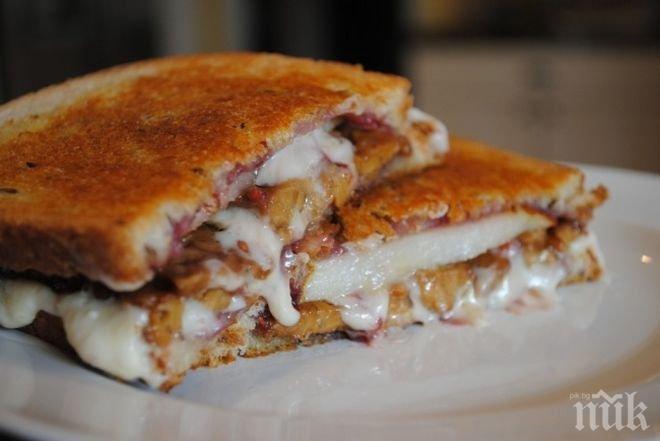Паниран сандвич