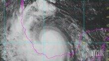 """Стихия! Тропическата буря """"Франклин"""" прерасна в ураган"""