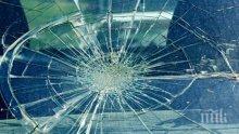 ТРАГЕДИЯ! Млад мъж загина на място след ужасяващ удар в стълб в Пловдив, двама са ранени