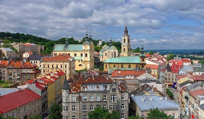 28 души са пострадали при катастрофа на автобус в Полша
