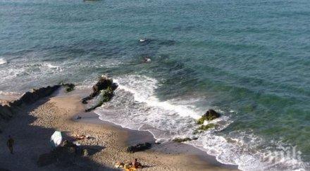ТРАГЕДИЯ! Морето погълна 21-годишен младеж край Стария Несебър! Водолази го търсят неуспешно
