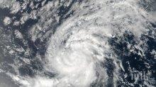 """Великобритания изпраща военен кораб и пари в помощ на жертвите на урагана """"Ирма"""""""