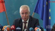 ИЗВЪНРЕДНО В ПИК! Здравният министър ген. Петров по спешност в болница с бъбречна криза