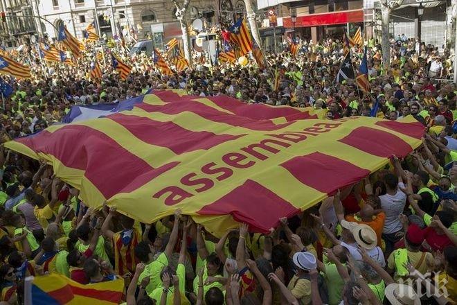 Испанското правителство дръпва шалтера, бойкотира референдума на Каталуния