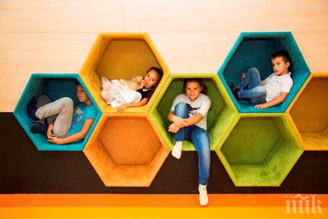 Астропсихолог изследва дарбите на малчуганите в нов детски център в София