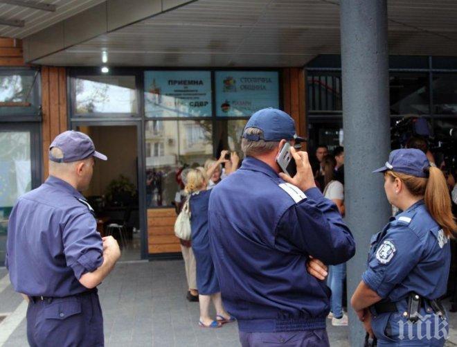 Полицията отвори приемна на Женския пазар