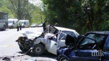 Тежка катастрофа на пътя Варна-Бургас! Загинала е възрастна жена