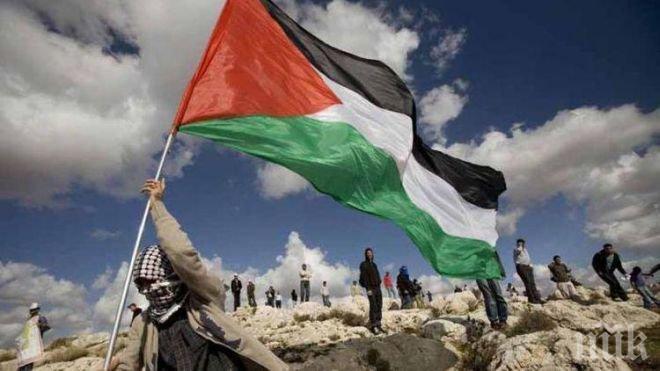 Палестинец стреля на месо на Западния бряг и рани трима