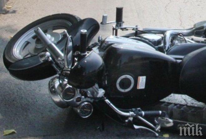 УЖАСЪТ В ПЛОВДИВ: 40-годишен е загиналият моторист, спътникът му е в болница (СНИМКА)