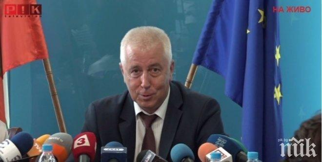 Министърът на здравеопазването: Условията за спешната помощ са кошмарни, няма кандидати за работа