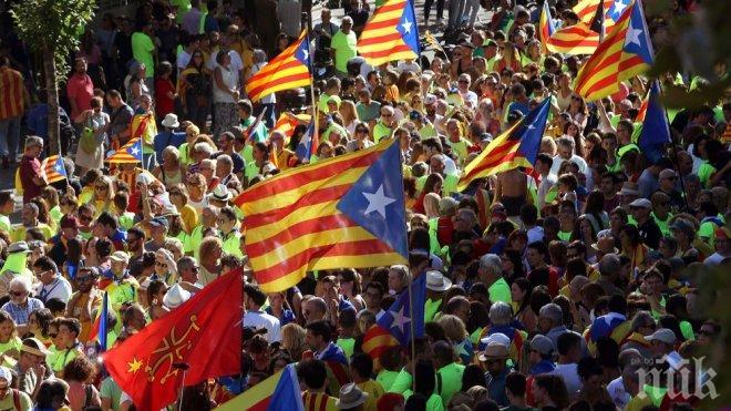 Близо три милиона каталонци гласуваха на референдума за независимост