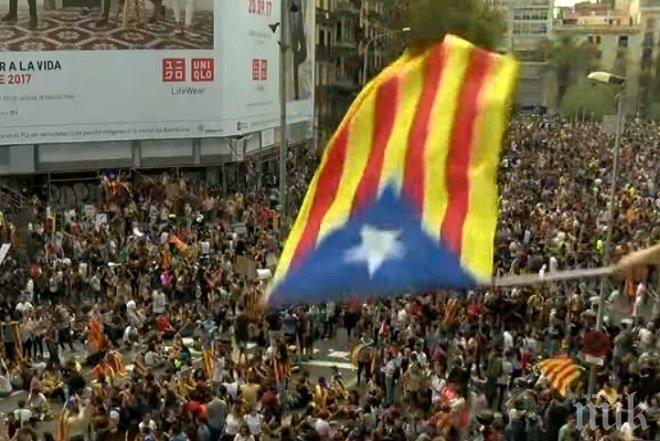 ОБЩЕСТВЕН ГНЯВ! Многохилядни протести блокираха Каталуния (ВИДЕО)