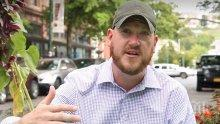 Американец дава по 100 долара на непознати срещу добри дела