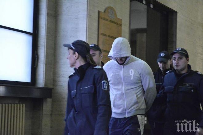 Скандално! Защитата на убиеца Йоан Матев е подала молба за изваждането му от килията