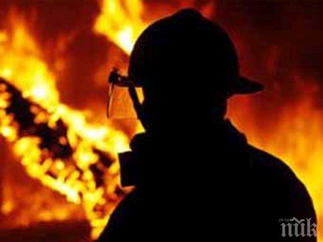 Свидетелят на огнения ужас в Бургас: Има още хора вътре!