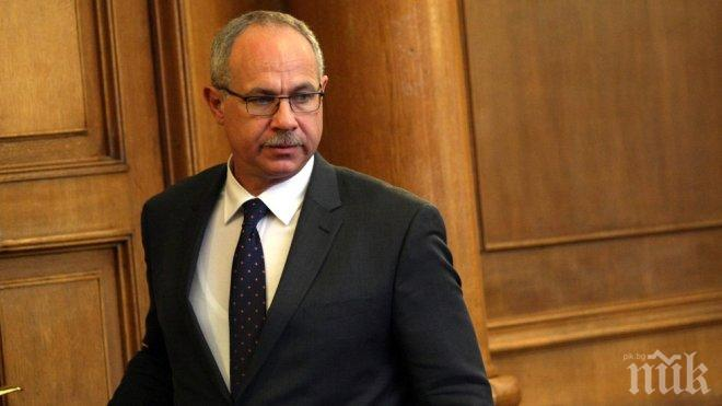 ПЪРВО В ПИК! Антон Тодоров обяви сензационно: Два дни Борисов ми казваше да не подавам оставка, продължавам с журналистиката