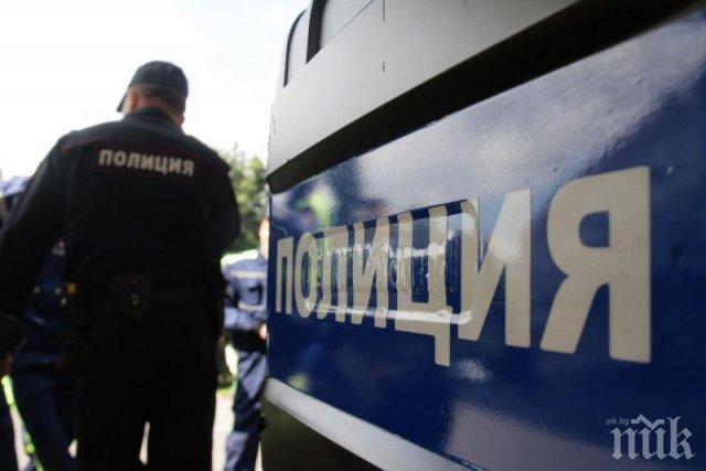 Зрелищна катастрофа в Пловдив! Камион преметна кола през мантинелата