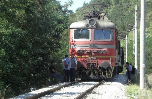 Влак уби подпийнал мъж край Нова Загора