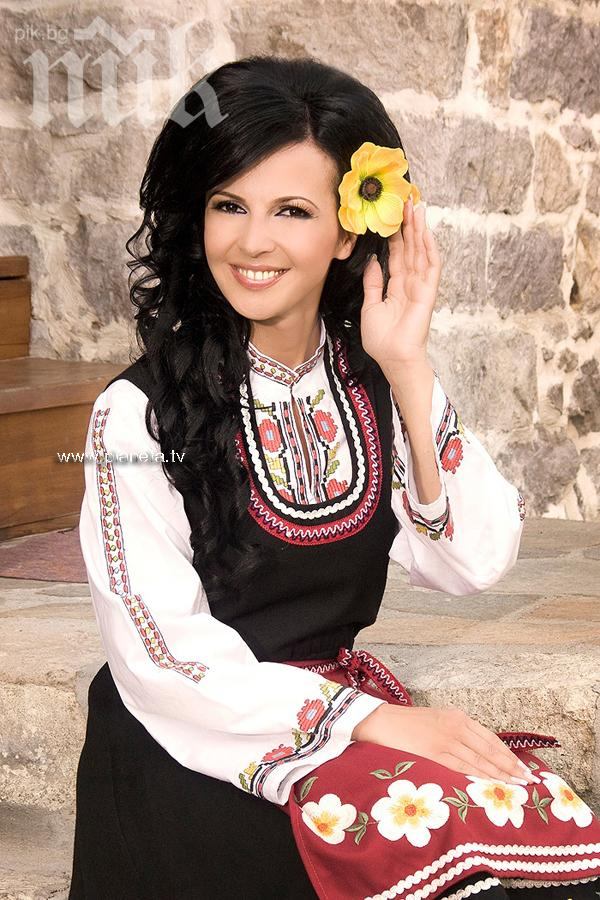 Народната певица Росица Пейчева: Правя уникални катми