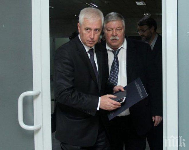 ЕКСКЛУЗИВНО! Люба Кулезич с горещ коментар за оставката на ген. Петров: Репортерът с прякор Онанев окачи на колана си скалпа на втори здравен министър - след разследването му се пръсна сърцето на ген. Тонев