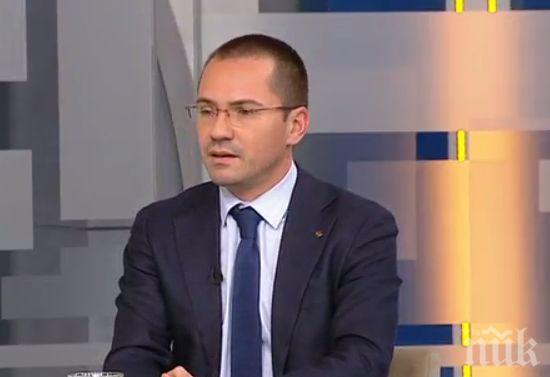 ИЗВЪНРЕДНО! Ангел Джамбазки изригна срещу ДОСТ и ДПС: Губят позиции по места и това ги изнервя!