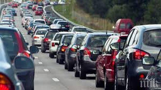 Регистрират по 14 000 нови автомобила всяка година в София