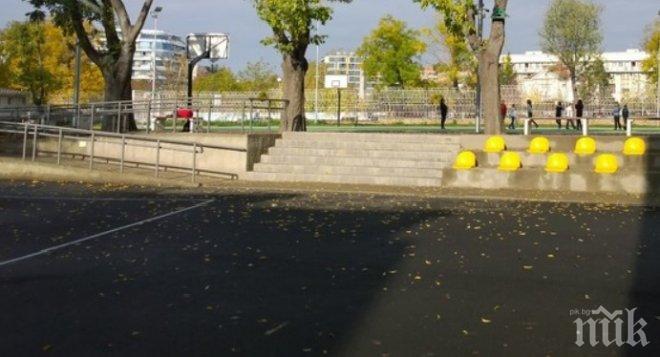 Директорката на училището с пребития десетокласник в Бургас внезапно излезе в отпуск