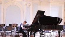10-годишно българче е новият Моцарт! Ивайло Василев покори журито на конкурс в Москва (ВИДЕО)