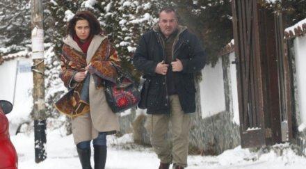 """САМО В ПИК И """"РЕТРО""""! Ани Цолова разбила семейството на мъжа си Васил - съпругът на водещата крие в Америка предишен брак и дъщеря студентка"""